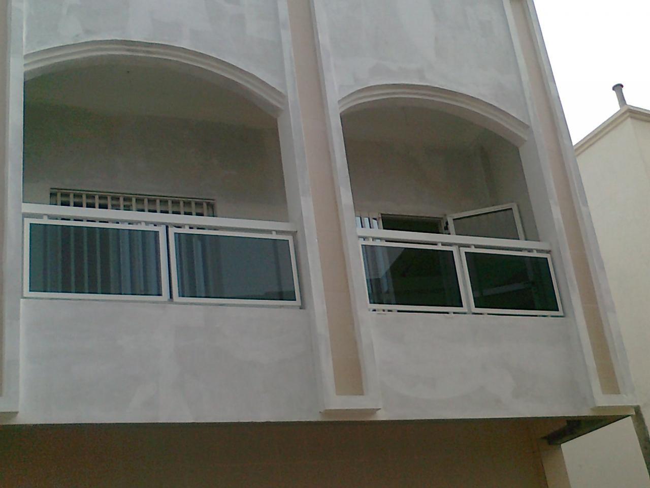balcon en aluminium. Black Bedroom Furniture Sets. Home Design Ideas